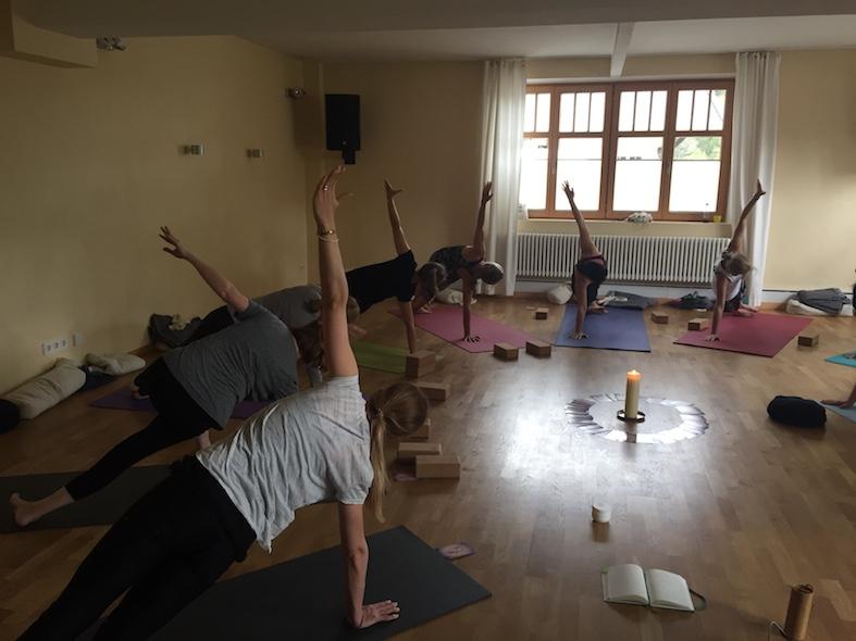 Werkstattengel Yoga
